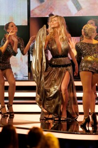 "Michelle Hunziker presenta i ""Golden Camera Awards"": sexy reginetta fra le star"
